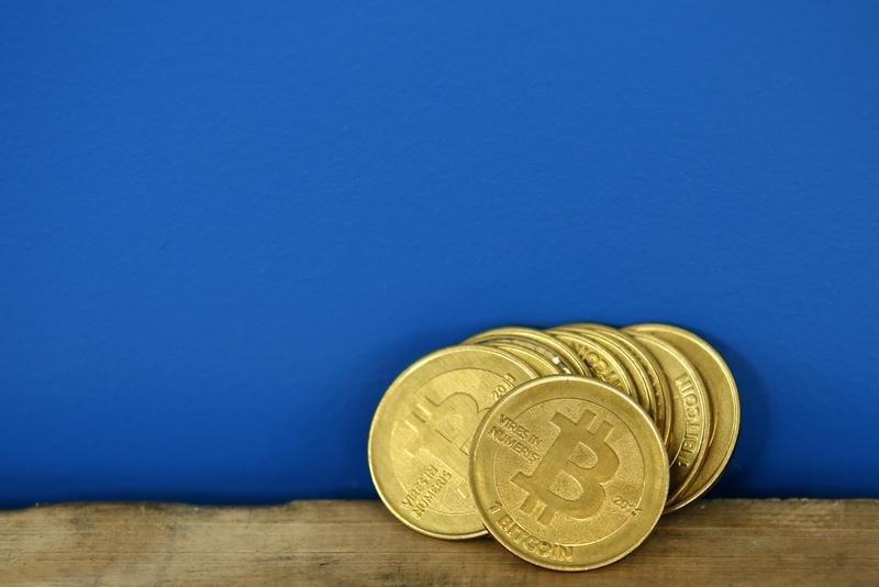 Bitcoin Fiyatları Balonun Patladığı Görüşleriyle Düşüyor, Ekonomistlerin Uyarısı